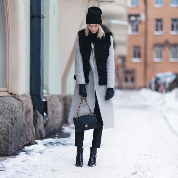 Anna Sofia Helsinki Snow Chanel Bag Black Beanie 3