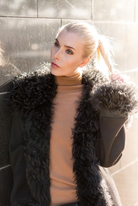 Anna Sofia Style Plaza Fur Coat Black Wall Street Style 9