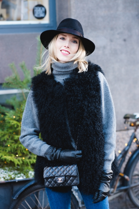 Style Plaza Stand Lamb Fur Vest 23