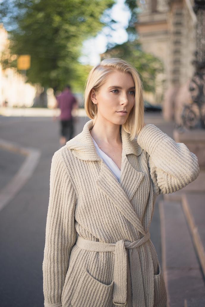 Anna Sofia Style Plaza Wool Cardigan 2