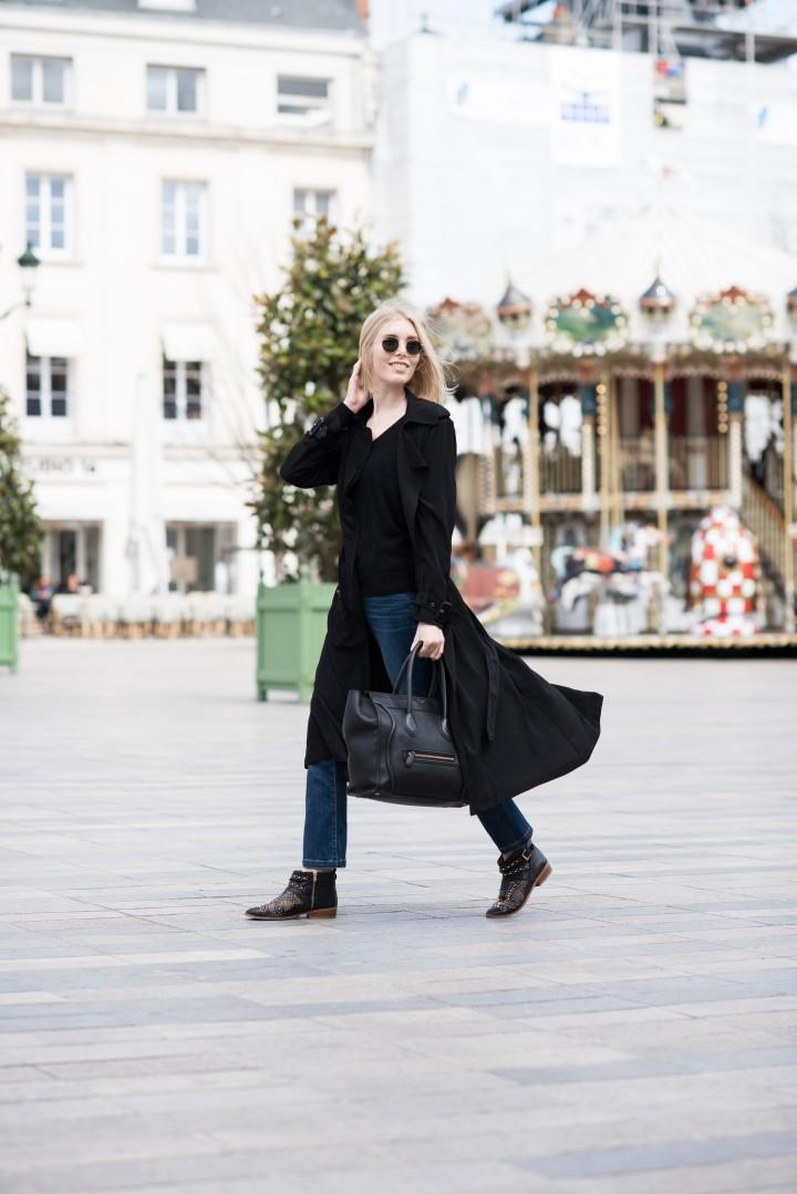black trenc coat6