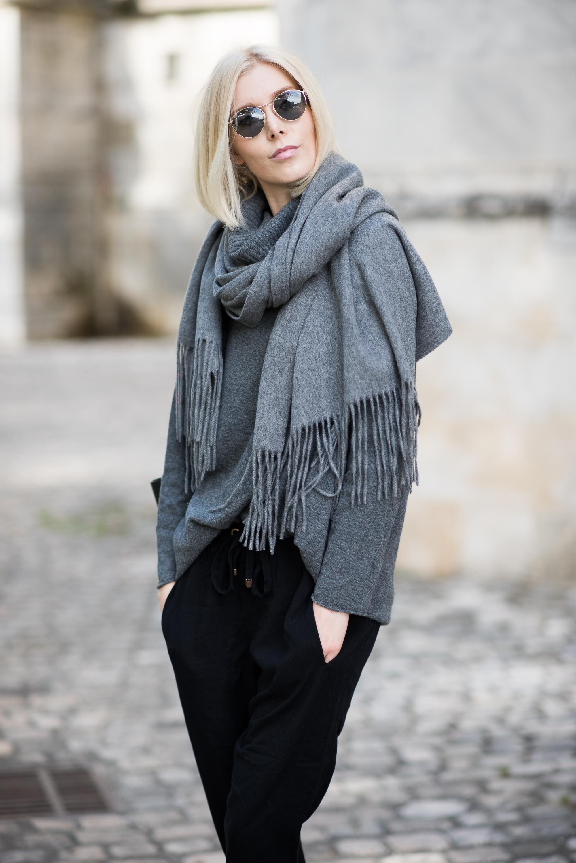 balmuir-highland-grey-cashmere-scarf-6