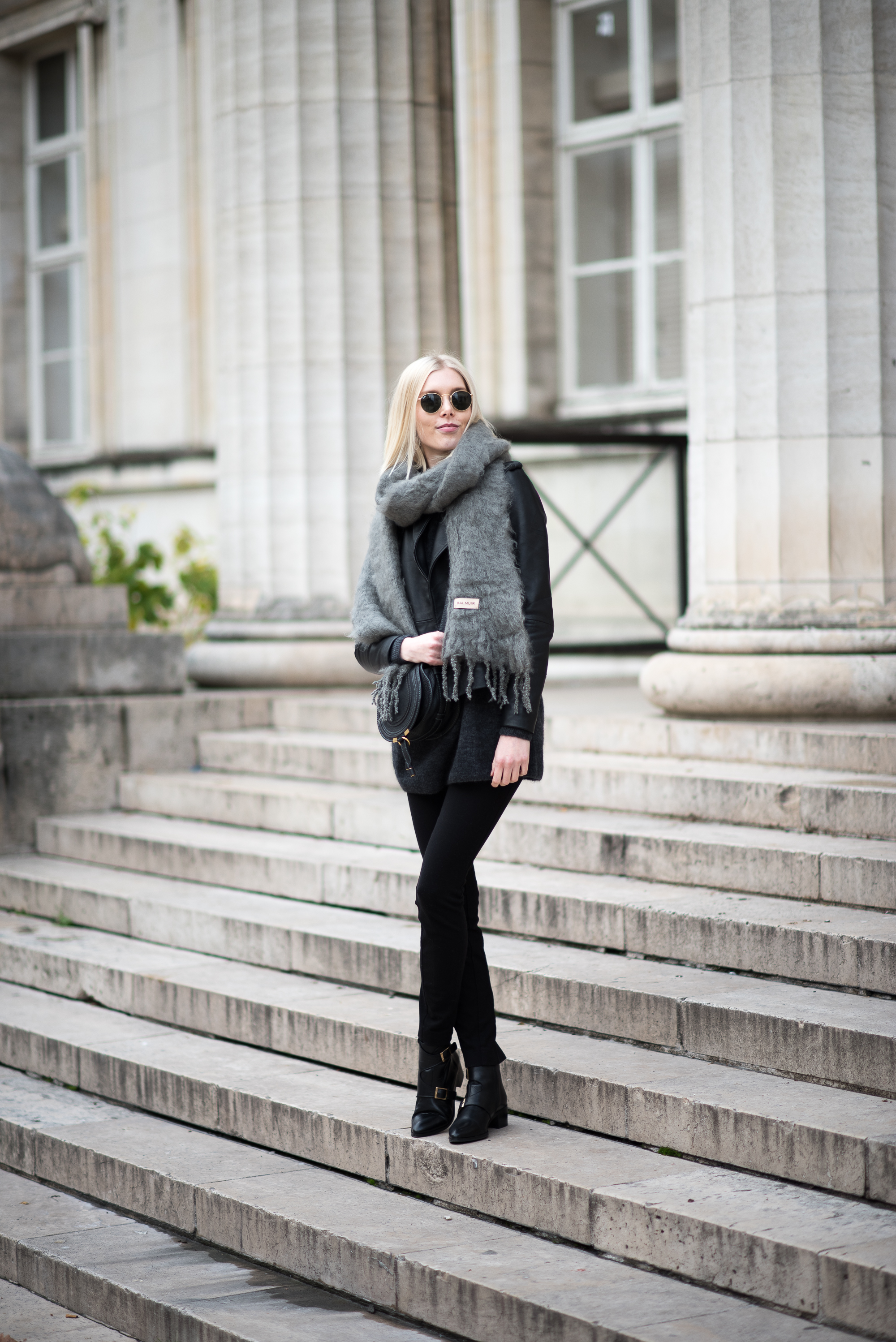 mohair-scarf-style-plaza-2
