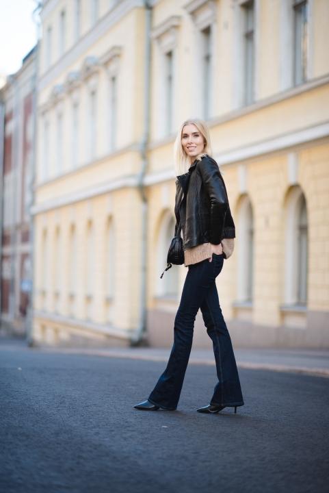 Andia Sweater Style Plaza Fall Fashion 5