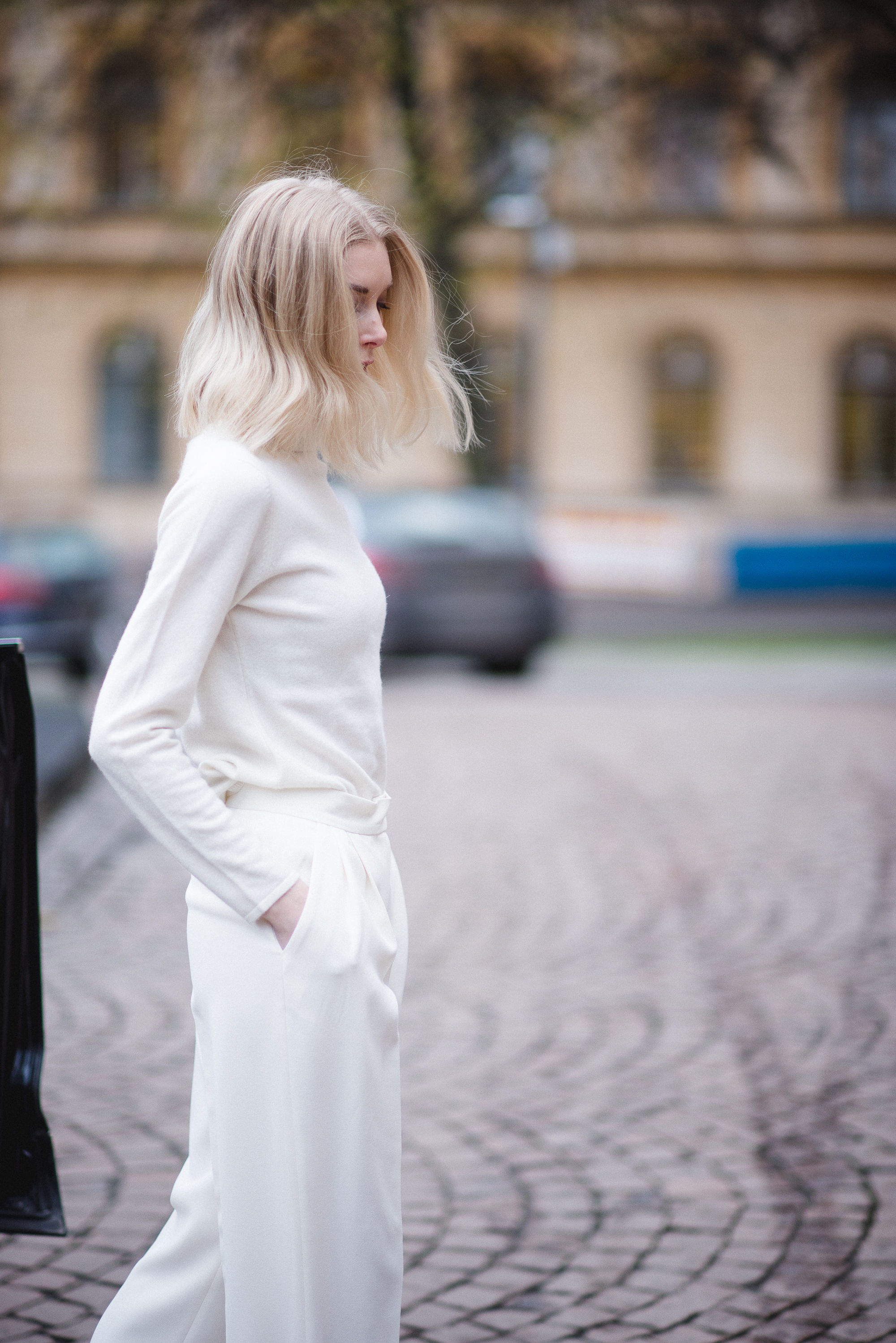 All White Style Plaza 7