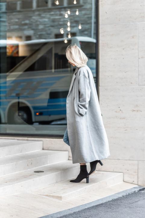 Anna Sofia Bubbleroom Grey Coat Fall 2018 Thomas Drouault 5