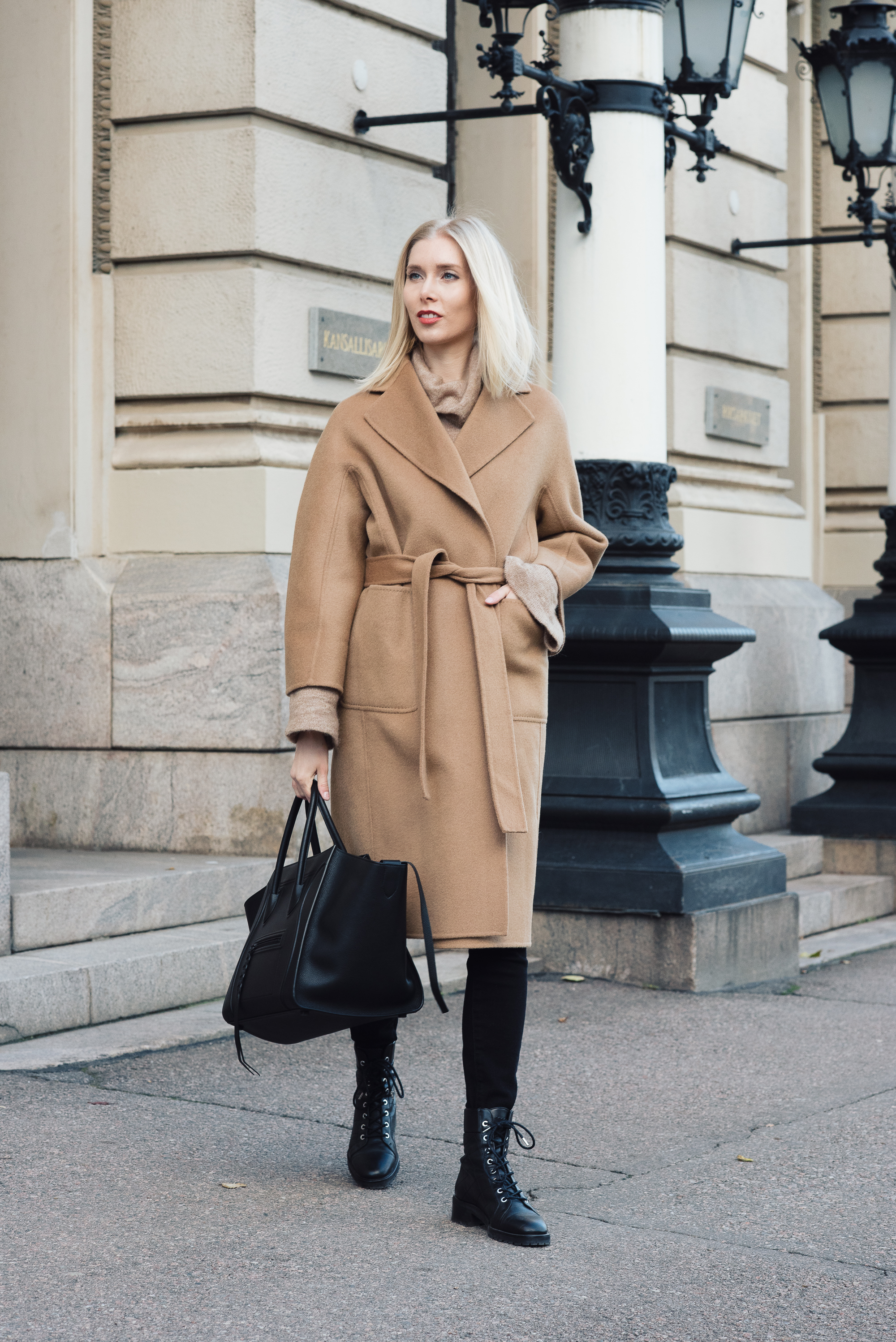 Shothecurated Camel Coat Style Plaza2