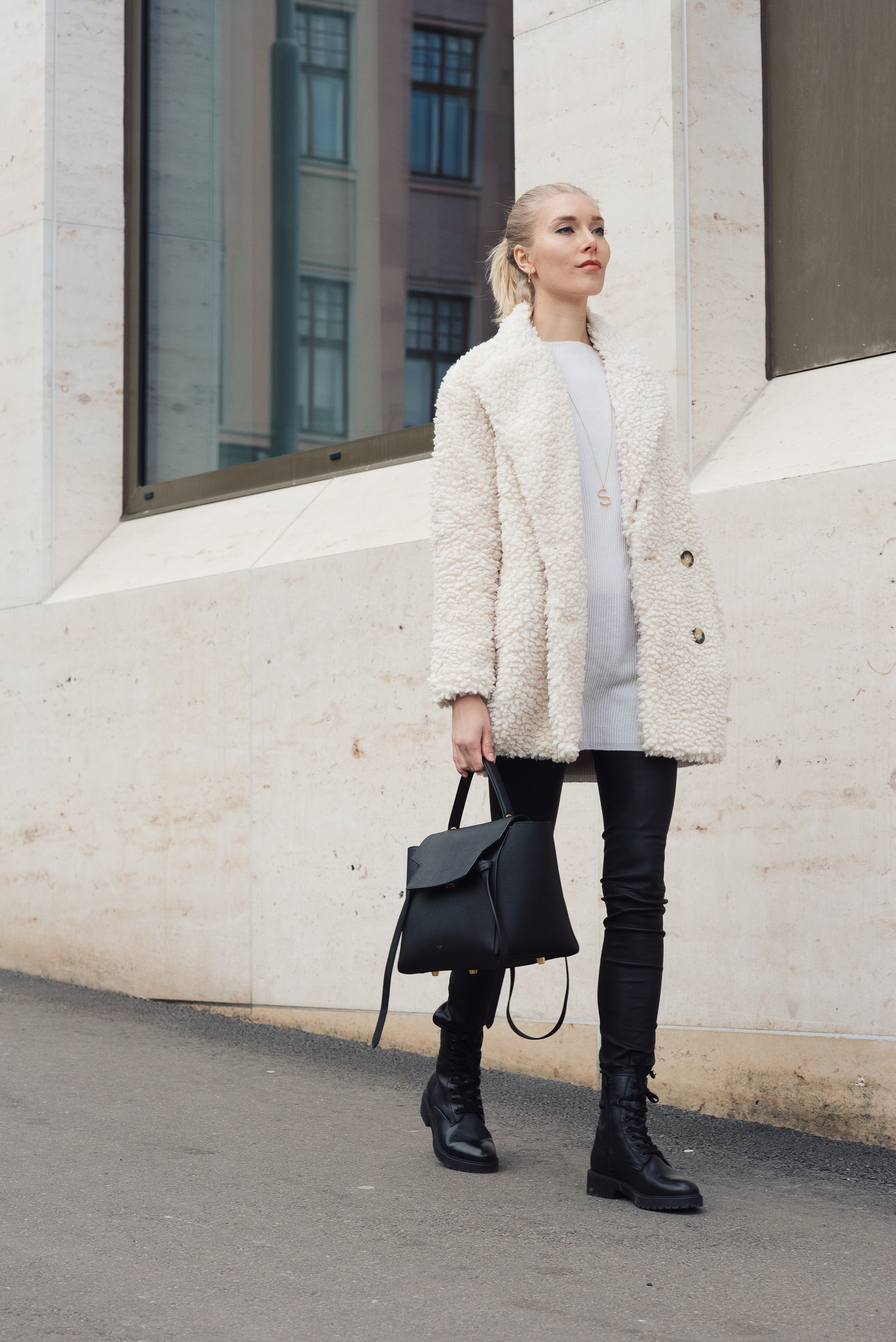 Style Plaza White Coat Outfit2