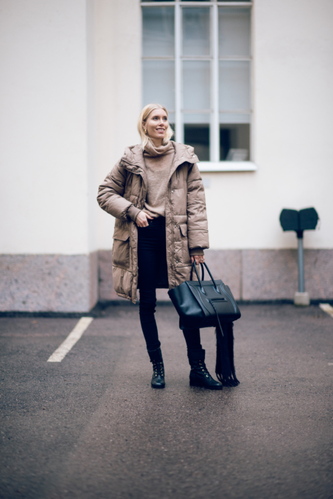Beige Puffer Style Plaza 1